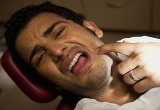 Как долго заживает лунка десны после удаления зуба, сколько может заживать рана, способы заживления раны, фото