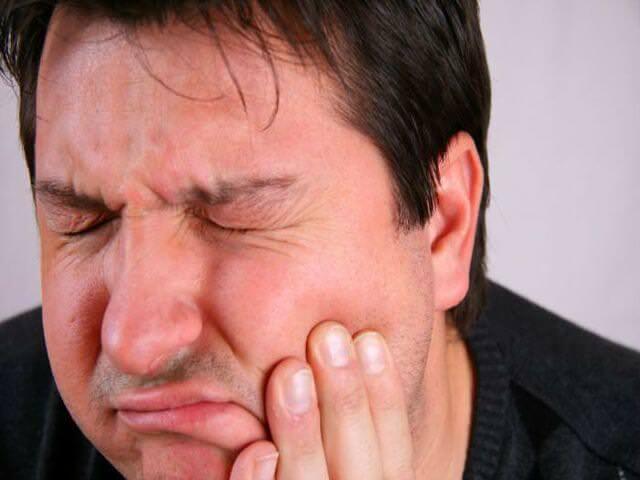 остеомиелит челюсти у мужчины