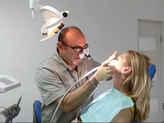 Осмотр у стоматолога - лечение пульпита