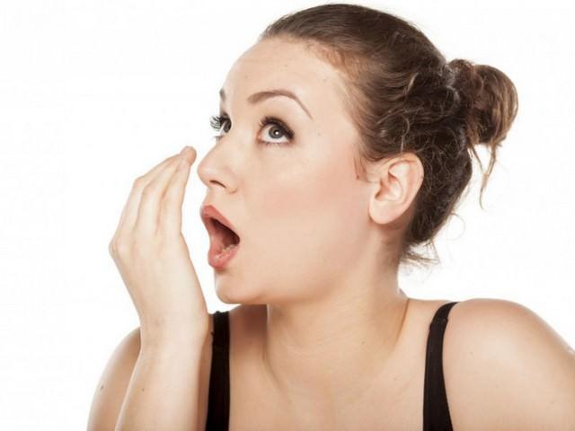 Чем устранить запах алкоголя изо рта