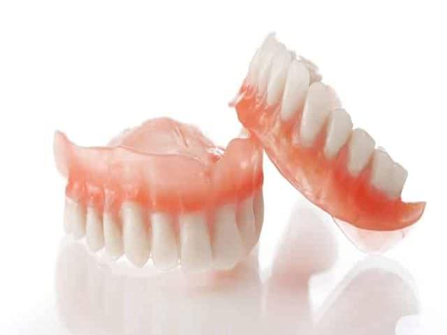 Качественный матерьял для зубных протезов